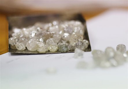 Uncut diamonds from the Leo Schachter Diamond Group's allocation are seen at De Beers offices in central London August 29, 2013. REUTERS/Oli