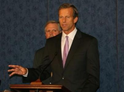Senator John Thune issued a statement to the Senate to Open Government Services. (Thune.Senate.gov)