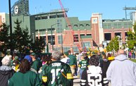 Win Over Detroit :: Y100 Tailgate Party at Brett Favre's Steakhouse 18