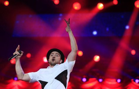 U.S. singer-sonwriter Justin Timberlake performs at the Rock in Rio Music Festival in Rio de Janeiro September 15, 2013. REUTERS/Ricardo Mor