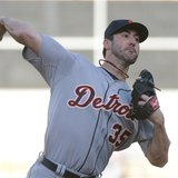 October 10, 2013; Oakland, CA, USA; Detroit Tigers starting pitcher Justin Verlander (35) delivers a pitch against the Oakland Athletics dur