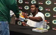 Eddie Lacy @ Verizon Wireless in Oshkosh With WIXX 6