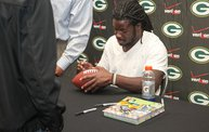 Eddie Lacy @ Verizon Wireless in Oshkosh With WIXX 23
