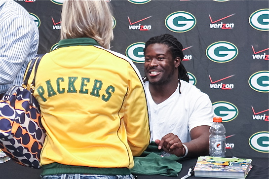 Eddie Lacy at Verizon Wireless in Oshkosh