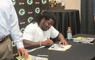 Eddie Lacy @ Verizon Wireless in Oshkosh With WIXX 19