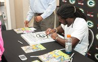 Eddie Lacy @ Verizon Wireless in Oshkosh With WIXX 13