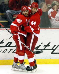 Red Wings Todd Bertuzzi and Henrik Zetterberg