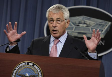 U.S. Secretary of Defense Chuck Hagel speaks at a news conference at the Pentagon in Washington October 17, 2013. REUTERS/Yuri Gripas