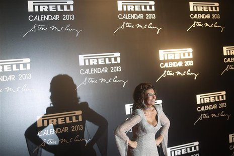 Italian actress Sophia Loren poses during the arrivals for the launching of the Pirelli Calendar 2013 in Rio de Janeiro November 27, 2012. R