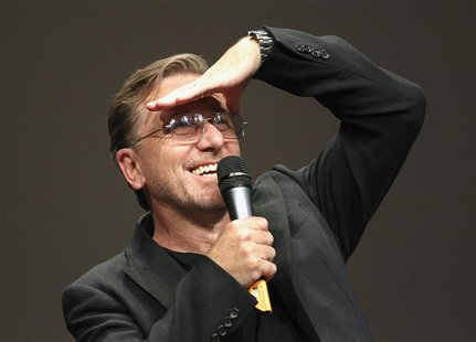 British actor and filmmaker Tim Roth gestures during a ceremony at the Lumiere 2013 Grand Lyon Film Festival in Lyon October 18, 2013. REUTE