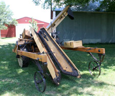 1904 Overby corn harvester and husker (corn picker) (SDSU.edu)