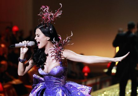 Singer Katy Perry performs during the Victoria's Secret Fashion Show at the Lexington Armory in New York November 10, 2010. REUTERS/Lucas Ja