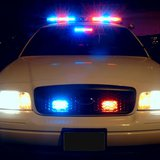 Police car emergency lighting fixtures switched on. By Scott Davidson from United States (Police Car Lights) [CC-BY-2.0 (http://creativecommons.org/licenses/by/2.0)], via Wikimedia Commons
