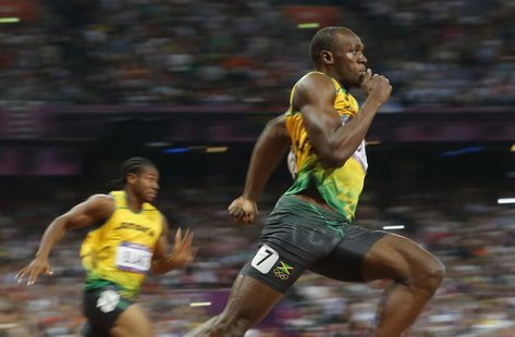 Jamaica's Usain Bolt runs to win the men's 200m final at the London 2012 Olympic Games at the Olympic Stadium August 9, 2012. REUTERS/Stefan