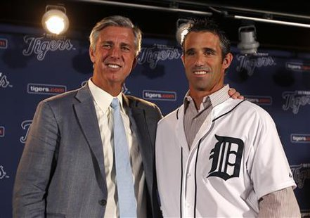 Detroit Tigers General Manager Dave Dombrowski (L ) and newly named Tigers manager Brad Ausmus pose together during a press conference where Ausmus was named the 37th manager in franchise history of the Tigers in Detroit, Michigan November 3, 2013.  REUTERS/Rebecca Cook