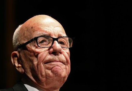 Rupert Murdoch, News Corp. and 21st Century Fox CEO, speaks during the annual Lowy Lecture at the Sydney Town Hall October 31, 2013. REUTERS