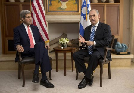 U.S. Secretary of State John Kerry (L) meets with Israel's Prime Minister Benjamin Netanyahu in Jerusalem November 6, 2013. REUTERS/Jason Re