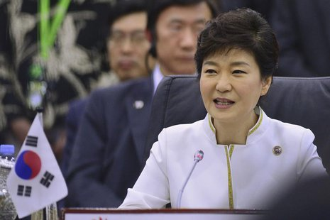 South Korea's President Park Geun-hye speaks at the ASEAN Plus Three Summit in Bandar Seri Begawan, October 10, 2013. REUTERS/Ahim Rani