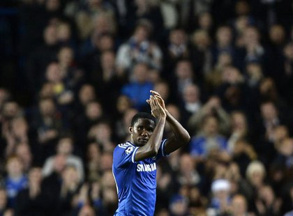 Chelsea's Samuel Eto'o acknowledges the crowd as he is substituted during their Champions League soccer match against FC Schalke 04 at Stamf