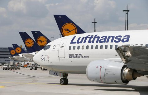 A Lufthansa Boeing 737-300 drives across the tarmac of Frankfurt airport July 12, 2013. REUTERS/Ralph Orlowski