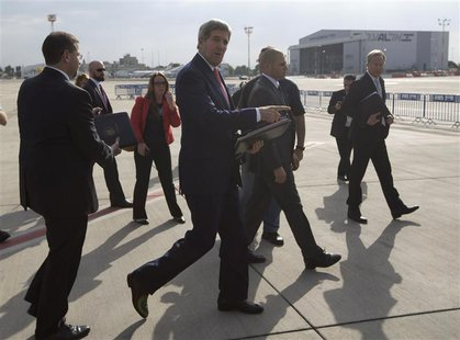 U.S. Secretary of State John Kerry arrives in Tel Aviv, November 8, 2013. REUTERS/Jason Reed