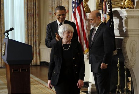U.S. President Barack Obama applauds after announcing his nomination of Janet Yellen (C) to head the Federal Reserve as outgoing Fed chair B
