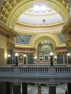 Interior of the Wisconsin State Capitol's East Gallery By QuartierLatin1968 (Own work) [CC-BY-SA-3.0 (http://creativecommons.org/licenses/by-sa/3.0)], via Wikimedia Commons