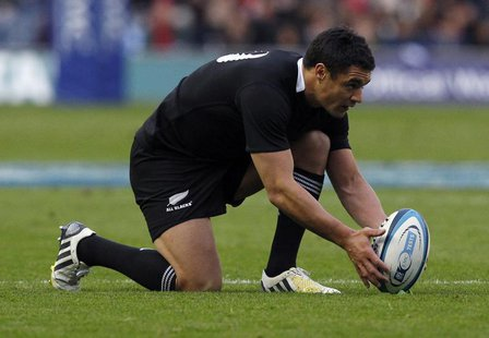 New Zealand's Dan Carter lines up the ball before kicking during their Autumn Test rugby union match against Scotland at Murrayfield Stadium