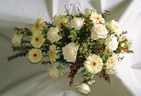 Flower arrangement for funeral By Mogens Engelund (Own work) [CC-BY-SA-3.0 (http://creativecommons.org/licenses/by-sa/3.0)], via Wikimedia Commons
