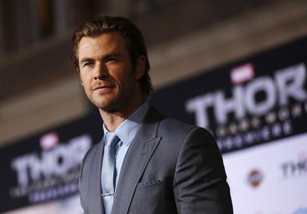 "Cast member Chris Hemsworth poses at the premiere of ""Thor: The Dark World"" at El Capitan theatre in Hollywood, California November 4, 2013."