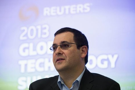 Dave Goldberg, chief executive of SurveyMonkey, speaks during Reuters Global Technology Summit in San Francisco, June 18, 2013. REUTERS/Step