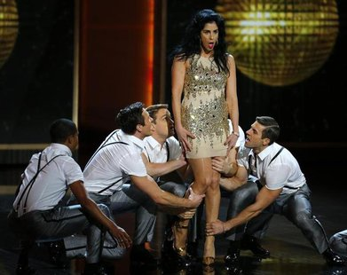 Comedienne Sarah Silverman performs a musical number mid-show at the 65th Primetime Emmy Awards in Los Angeles September 22, 2013. REUTERS/M