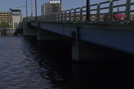 Walnut Street Bridge in Green Bay (Photo from: FOX 11).