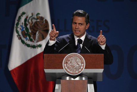 Mexico's President Enrique Pena Nieto addresses the audience during The Economist's Mexico Summit 2013 in Mexico City November 7, 2013. REUT