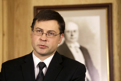 Latvia's Prime Minister Valdis Dombrovskis speaks during a news conference in Riga November 27, 2013. REUTERS/Ints Kalnins