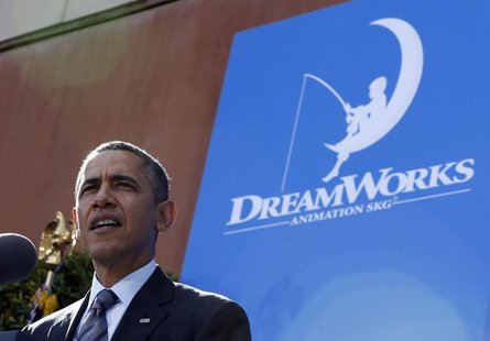 U.S. President Barack Obama speaks to workers on the economy at DreamWorks Animation in Glendale, California November 26, 2013. REUTERS/Jaso