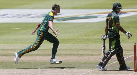 South Africa's Dale Steyn celebrates as he takes the wicket of Pakistan's Mohammad Hafeez during the first One Day international cricket mat