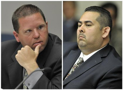 A combination photo shows Fullerton police officers Jay Cicinelli (L) and Manuel Ramos at a preliminary hearing on the death of Kelly Thomas
