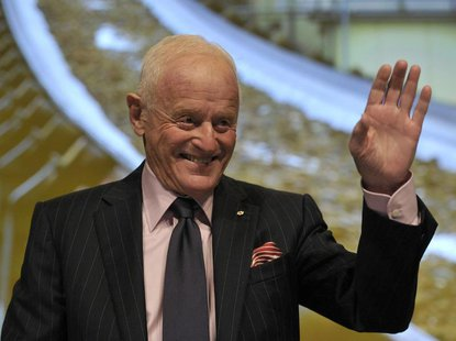 Barrick Gold Corporation Chairman Peter Munk waves during the annual general meeting of shareholders in Toronto May 2, 2012. REUTERS/ Mike C