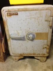 Badger safe looks similar to this one but in much better condition