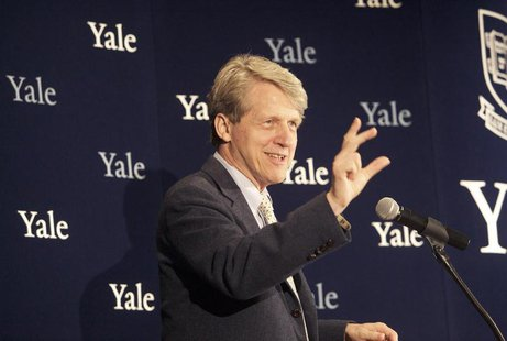 Robert Shiller, one of three American scientists who won the 2013 economics Nobel prize, attends a press conference in New Haven, Connecticu