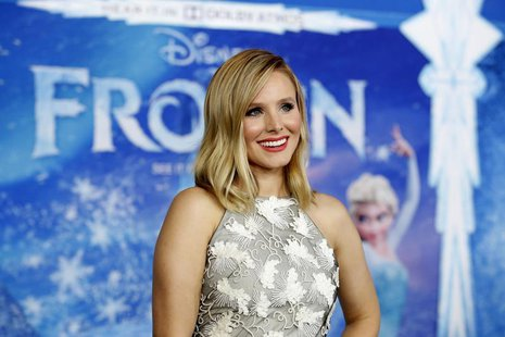 "Cast member Kristen Bell poses at the premiere of ""Frozen"" at El Capitan theatre in Hollywood, California November 19, 2013. REUTERS/Mario A"