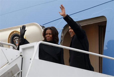 U.S. President Barack Obama and first lady Michelle Obama depart Joint Base Andrews in Washington en route to Johannesburg December 9, 2013.