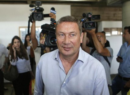 Nochi Dankner, the chairman of debt-ridden Israeli conglomerate IDB Holding, arrives at Tel Aviv District Court June 6, 2013. REUTERS/Baz Ra
