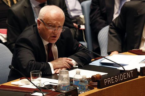 Australia's Ambassador to the United Nations Gary Quinlan speaks during the U.N. Security Council meeting in New York September 27, 2013. RE