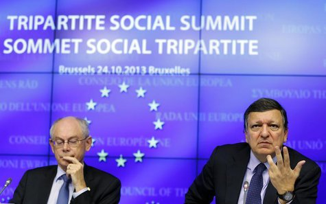 European Council President Herman Van Rompuy (L) and European Commission President Jose Manuel Barroso (R) hold a news conference following