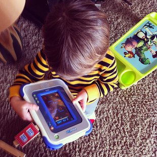 A child plays with an InnoTab tablet device.