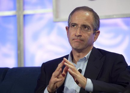 Comcast Corp CEO Brian Roberts speaks at the WEB 2.0 summit in San Francisco, California October 20, 2009. REUTERS/Kim White
