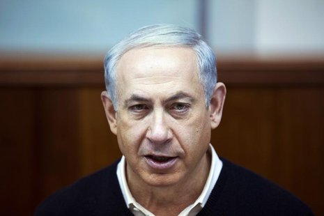 Israel's Prime Minister Benjamin Netanyahu attends the weekly cabinet meeting in Jerusalem December 15, 2013. REUTERS/ Baz Ratner