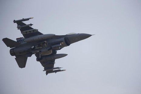 A F-16 fighter jet belonging to the U.S. Air Force comes in for a landing at a U.S. air force base in Osan, south of Seoul April 3, 2013. RE